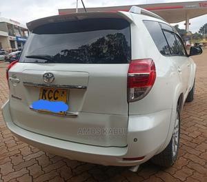 Toyota Vanguard 2010 White | Cars for sale in Nairobi, Roysambu