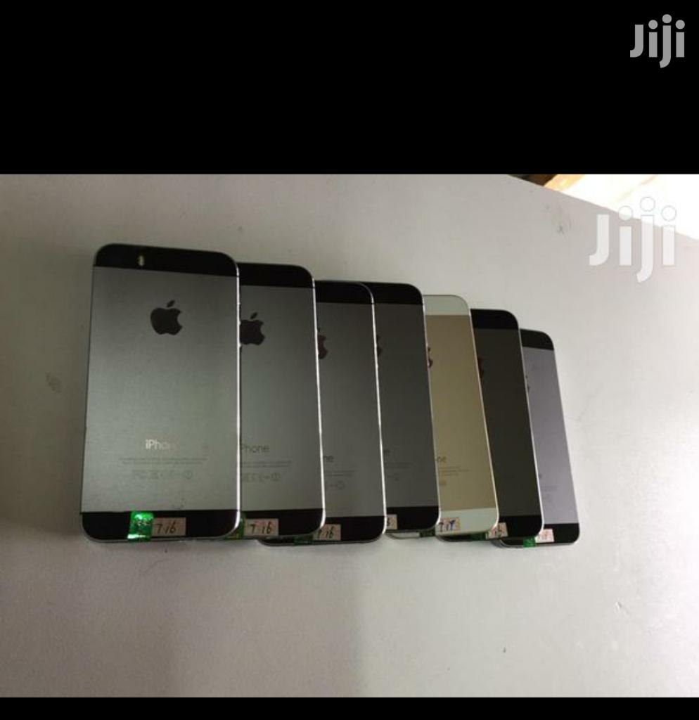 Archive: New Apple iPhone 5s 16 GB Gray