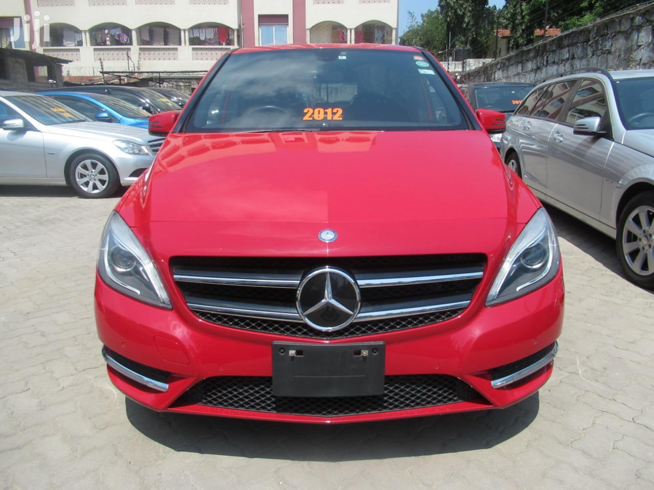 New Mercedes-Benz B-Class 2012 Red
