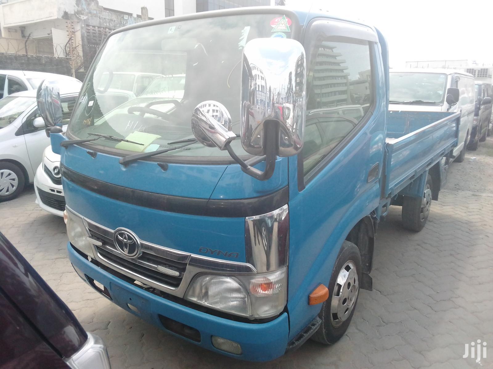 New Toyota Dyna 2012 Blue