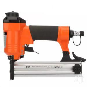 Nail Gun Pneumatic Air Powered 18GA 1.25*1.0mm F32 Furniture Stapler