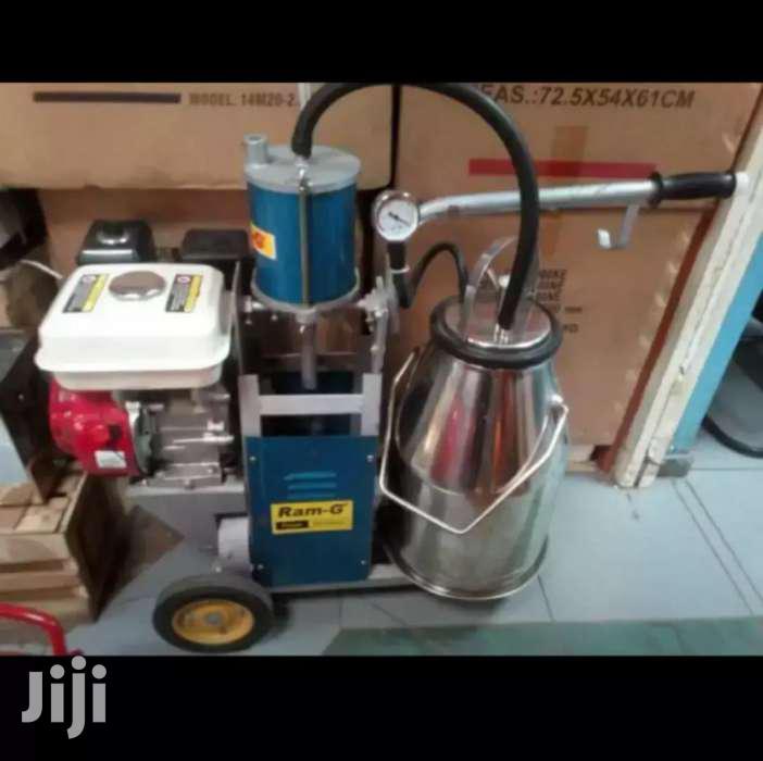 Engine Milking Machine