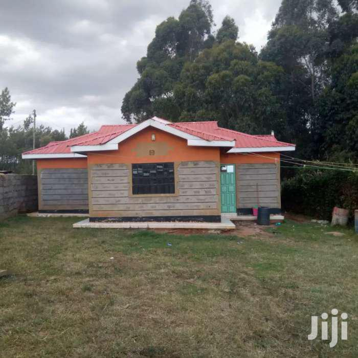 50/100 Plot With Three Bedroom House On Sale At Nyambari