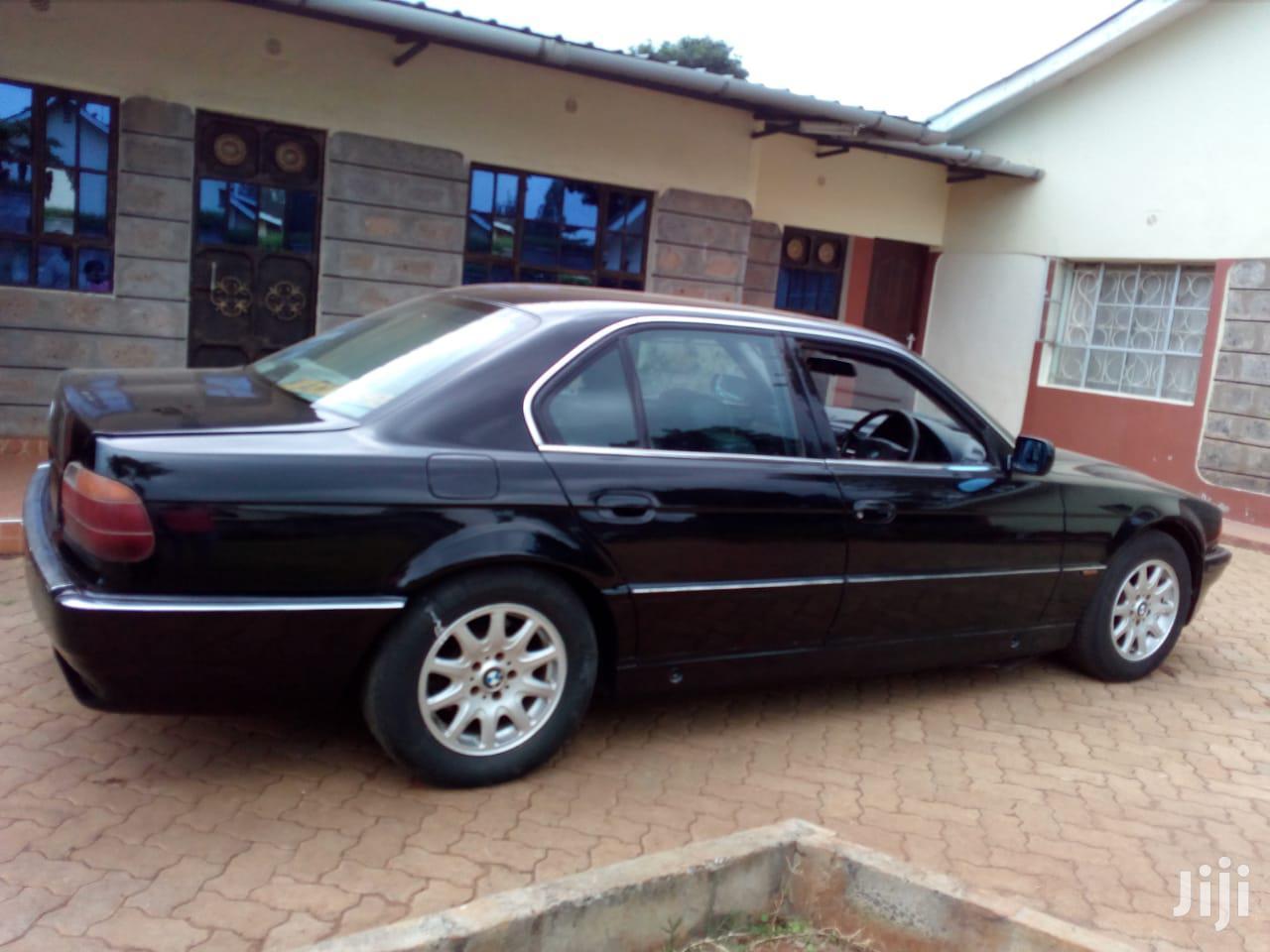 Archive: BMW 7 Series 2000 Black