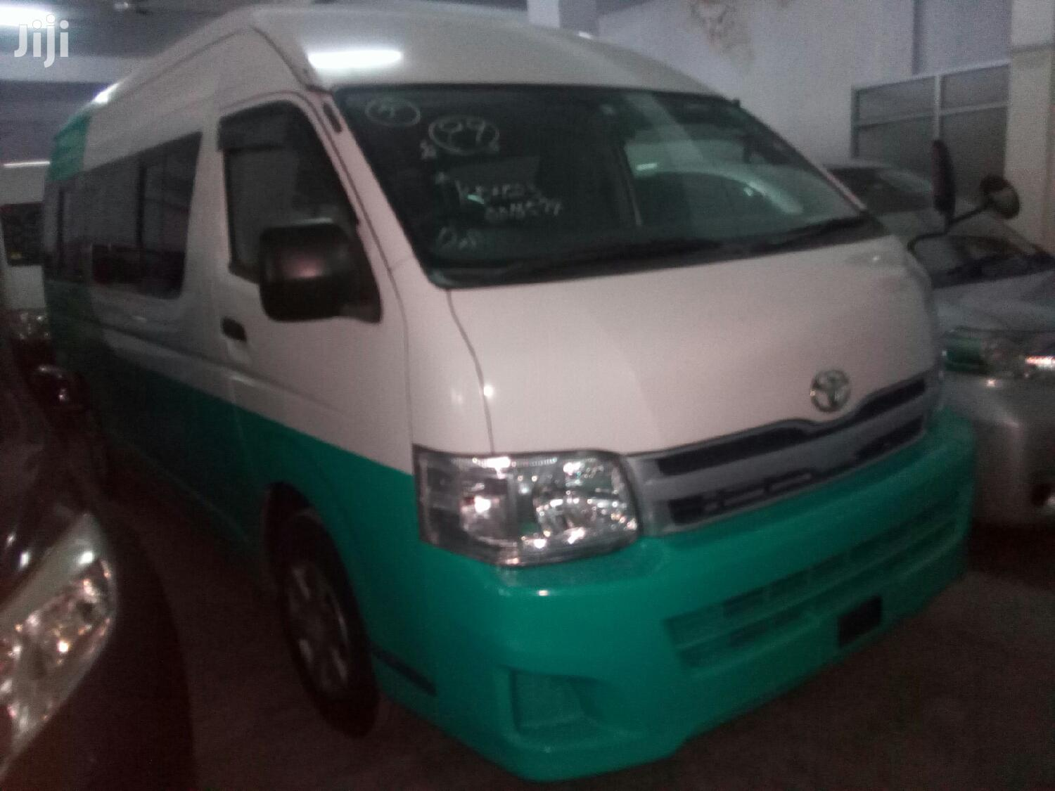 Archive: Toyota HiAce 2012 Green