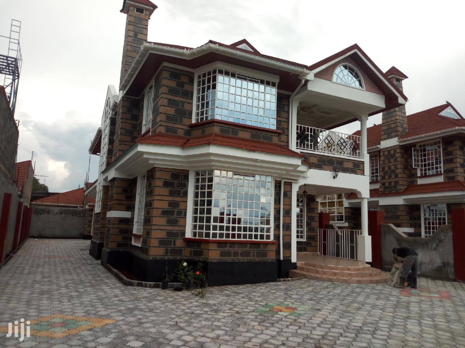 House In Nakuru Blankets For Sale