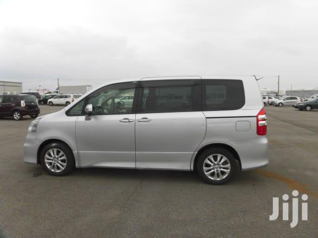 New Toyota Noah 2012 Silver   Buses & Microbuses for sale in Tononoka, Mombasa, Kenya