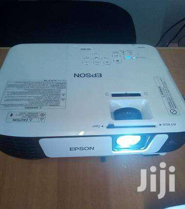 New Projectors For Learning Institutions,Churches And Offices | TV & DVD Equipment for sale in Nairobi Central, Nairobi, Kenya