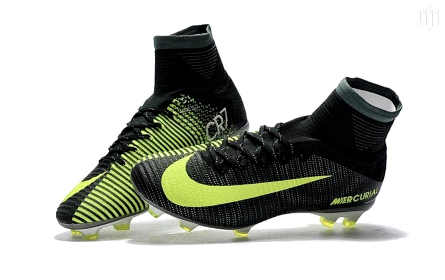 Limited Edition CR7 Kids Soccer Boots