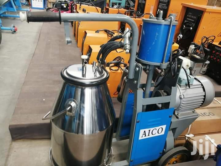 New Single Bucket Milking Machine