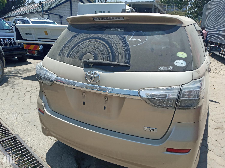 Archive: Toyota Wish 2012 Beige