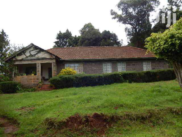 Lanet Dundori 30 Acres With A House And 2 Dams