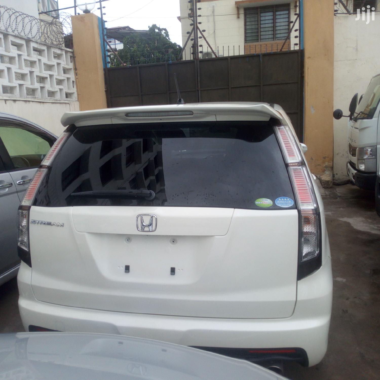 Honda Stream 2012 White