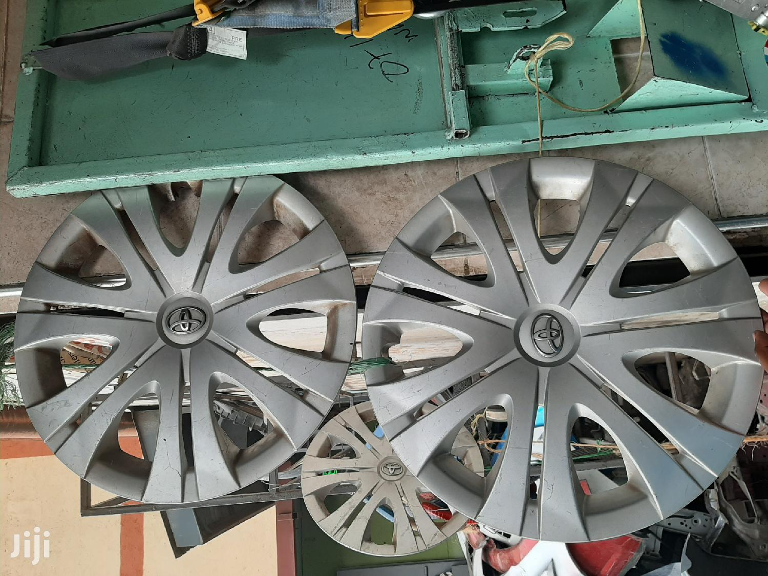 Toyota Wheelcap Size 16 Full Set Auto Car Spare Body Parts | Vehicle Parts & Accessories for sale in Nairobi Central, Nairobi, Kenya