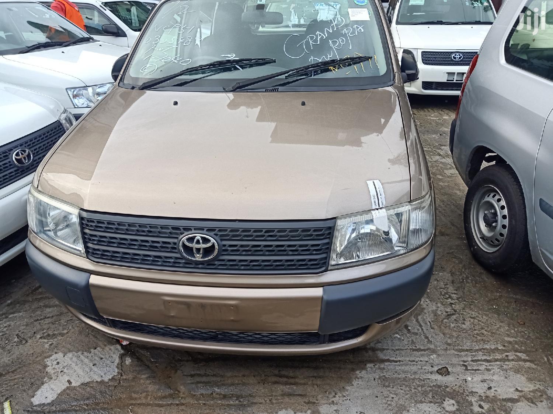 Archive: Toyota Probox 2012 Brown