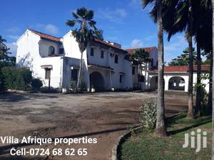 NYALI-5 BEDROOM PALATIAL HOME On A 1 ACRE PLOT With SERVANT QUARTER | Houses & Apartments For Rent for sale in Mombasa, Nyali