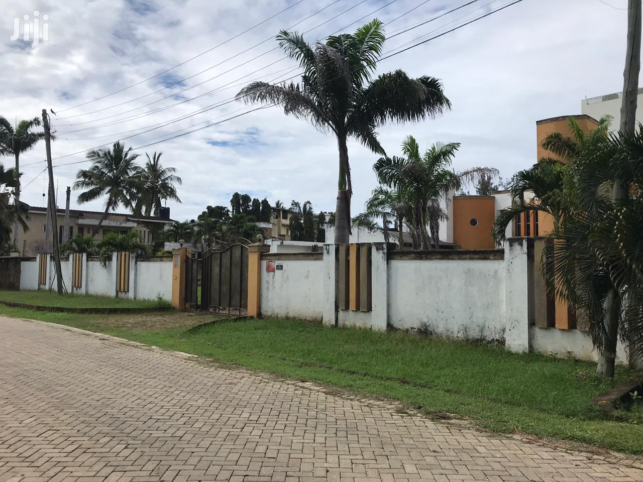 Nyali Barracks//4 Bedroom House on 1/2 Acre Own Compound | Houses & Apartments For Sale for sale in Nyali, Mombasa, Kenya