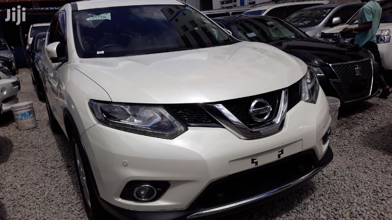 Archive: New Nissan X-Trail 2013 White