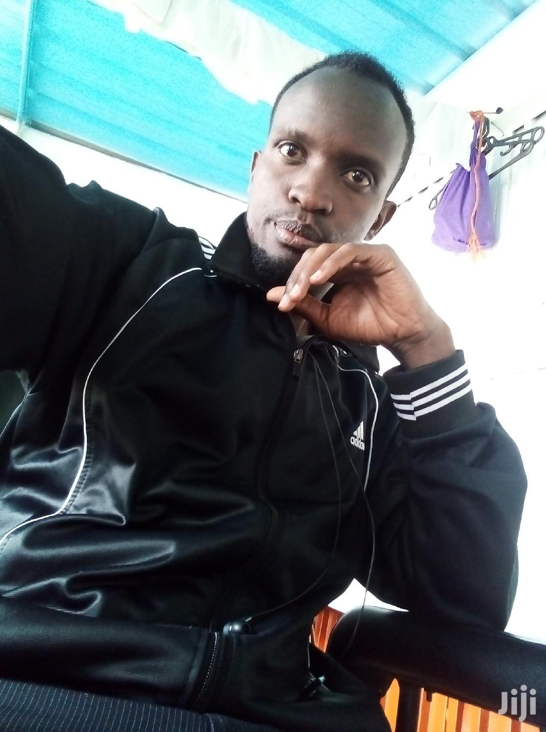 Am Victor Musyoki,Am 29 Years Old Am Married And Am Ready To Work Eny   Hotel CVs for sale in Embakasi, Nairobi, Kenya