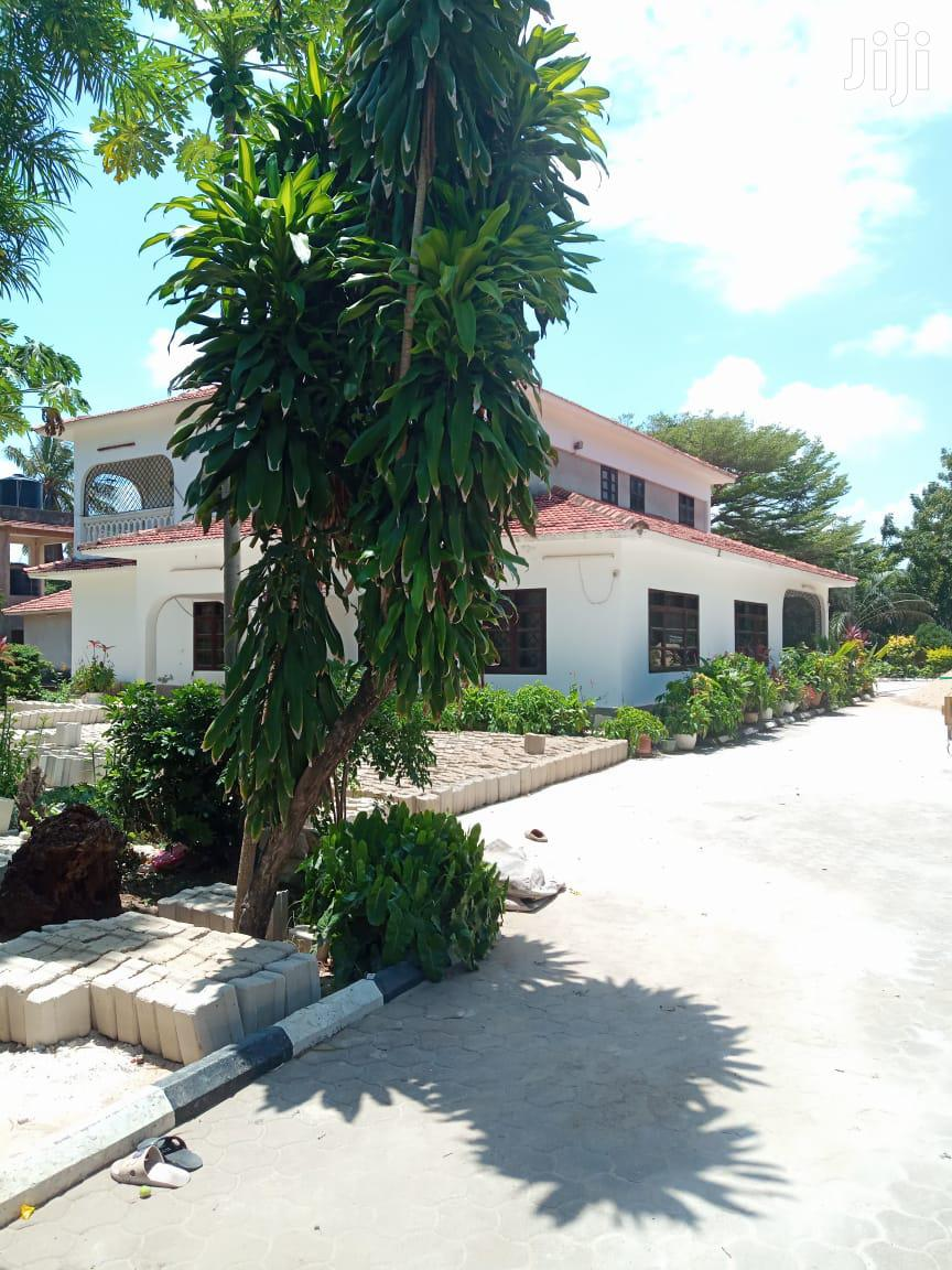 Nyali- Executive 4 Bedroom Own Compound House for Rent With Dsq