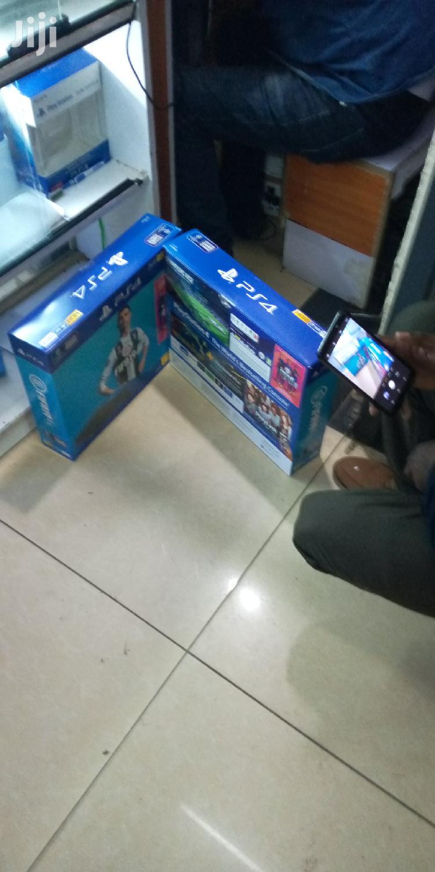 Playstation 4 ( Ps4