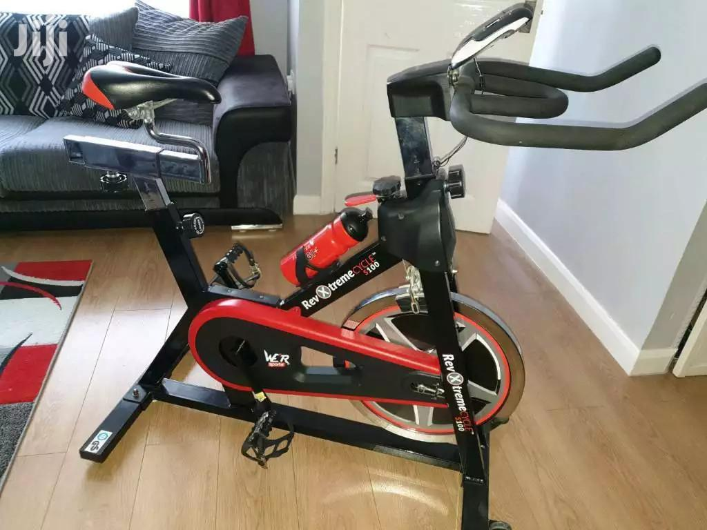 Cardio Gym Spinning Bikes Exercise