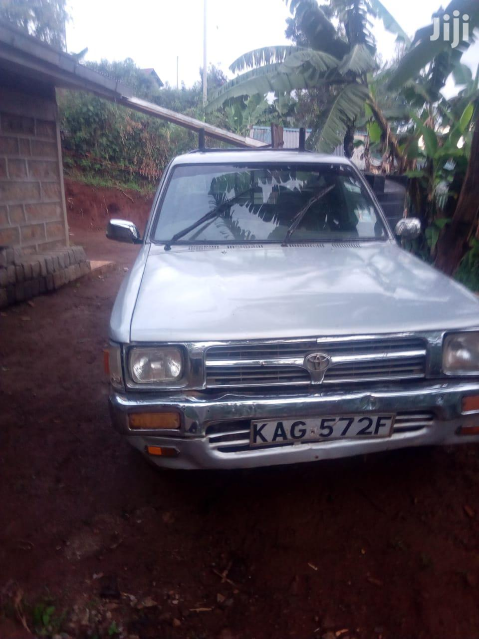Archive: Toyota Hilux 1999 Silver