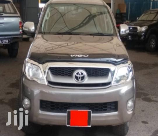 Toyota Hilux 2011 2.5 D-4D 4X4 SRX Gray