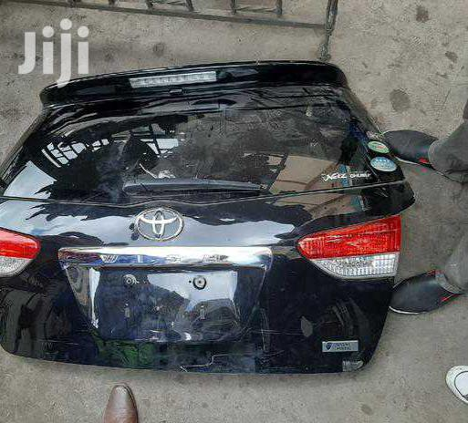 Archive: Clean Toyota Wish 2010 Boot