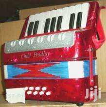 Accordion 17 Key 8 Bass
