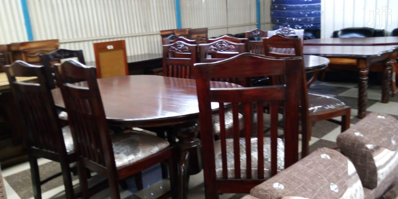 Oval Mahogany 6 Seater Dining Tables