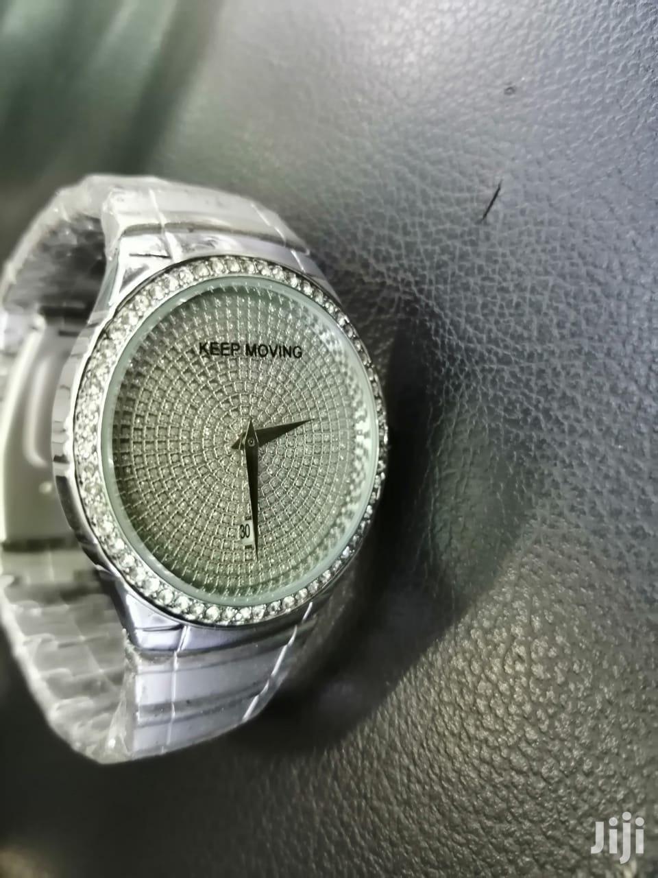 Keep Moving Unique Quality Timepiece