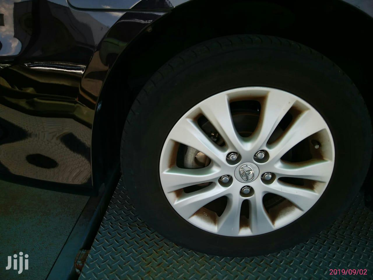 Archive: Toyota Noah 2012 Brown