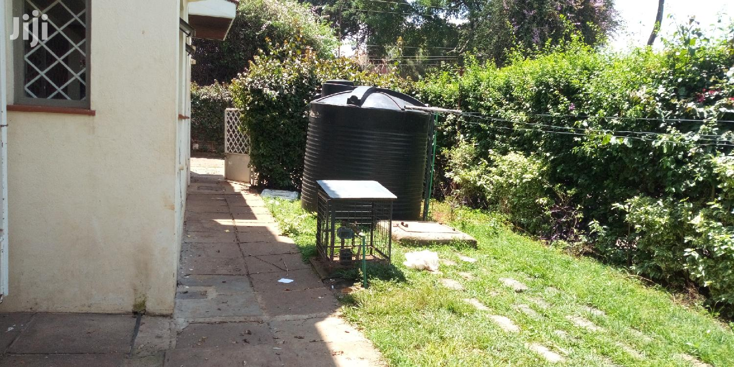 Archive: 4 Bedrooms Townhouse Unfurnished