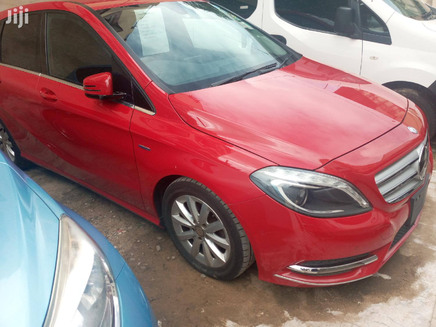 Archive: New Mercedes-Benz B-Class 2012 Red