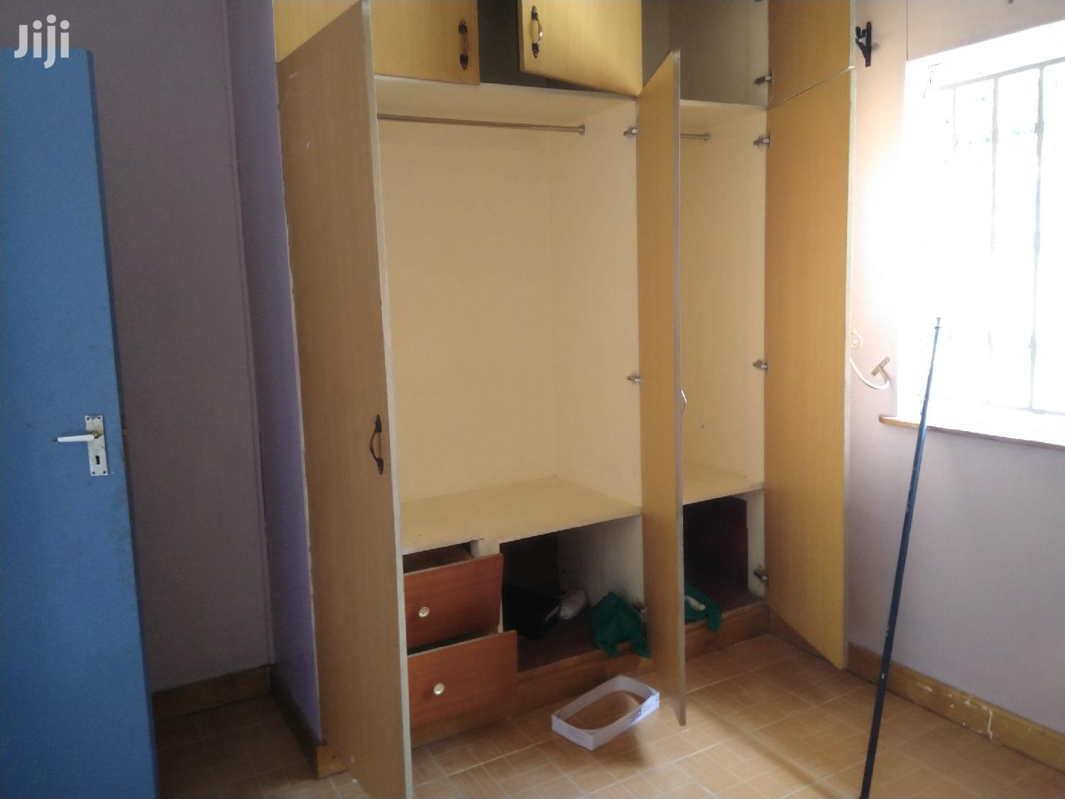 Archive: A Very Spacious 3 Bedroom Master Ensuite With A Sq Stand Alone.