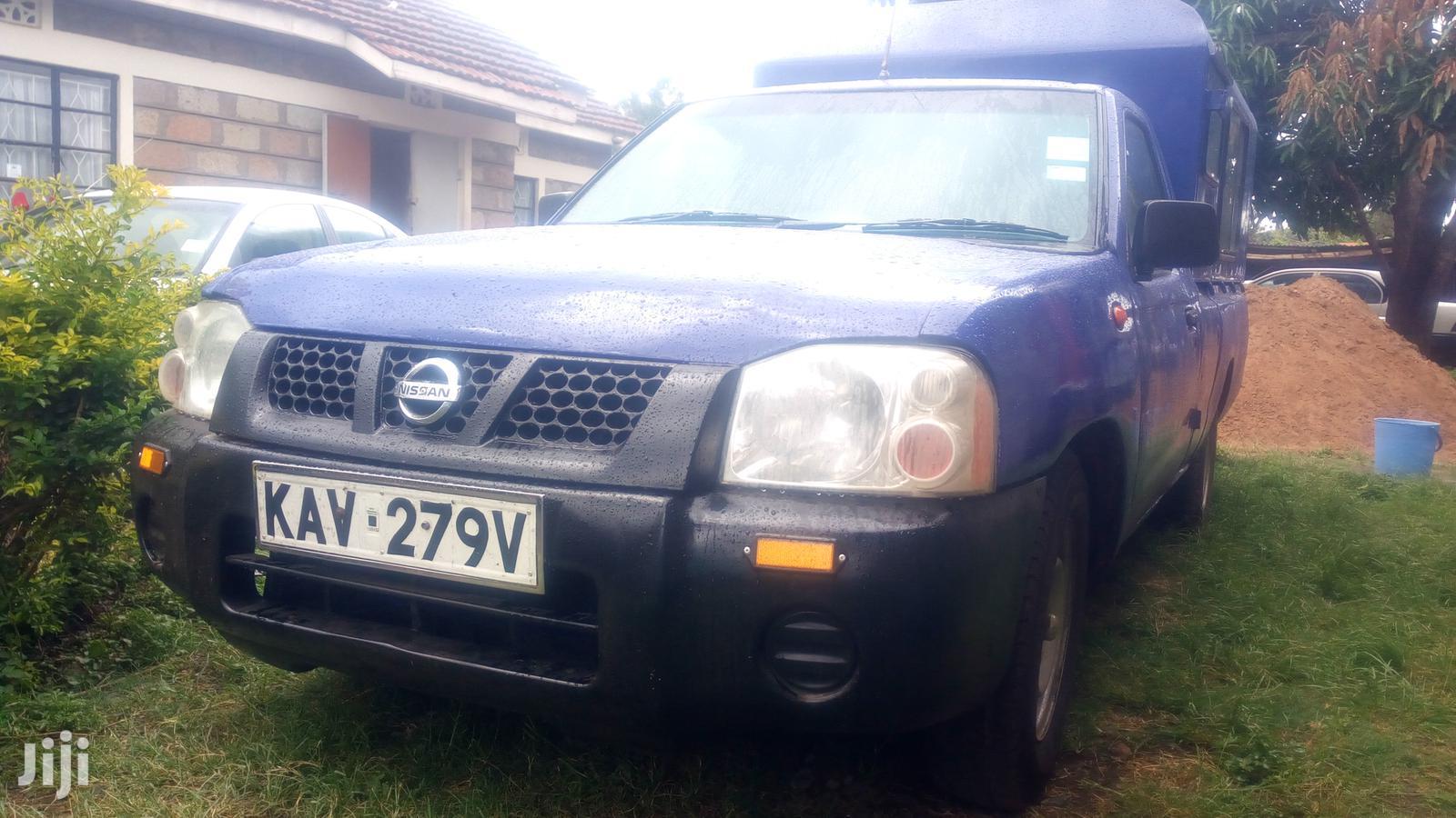 Nissan NP300 2005 Blue