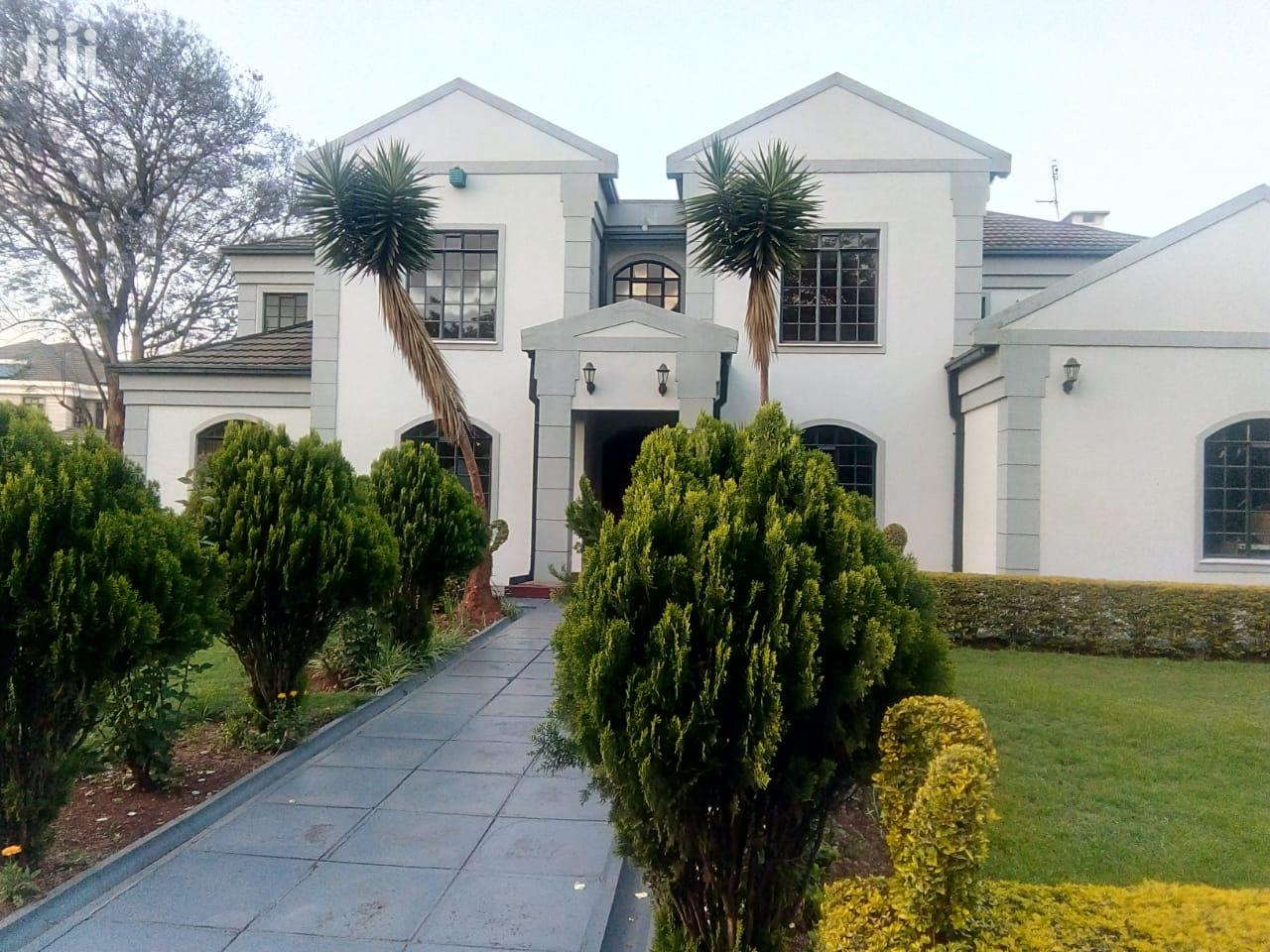 5bedrooms All Ensuite to Let Runda Water on 1acres Land