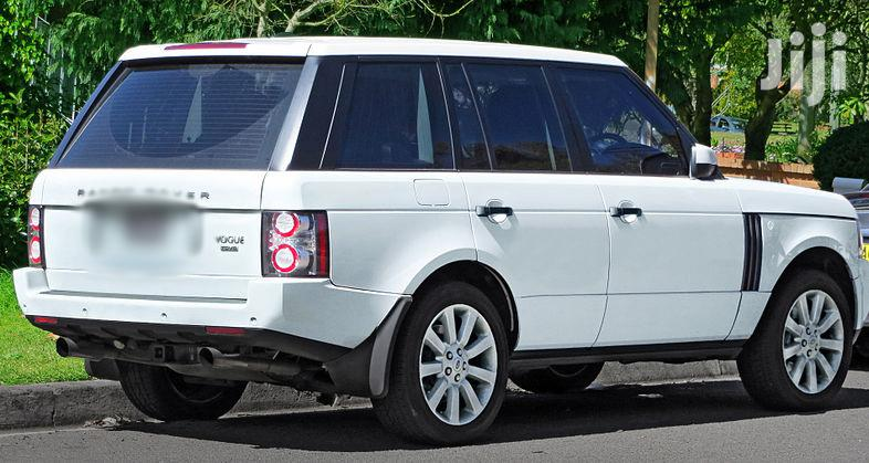 Archive: Land Rover Range Rover Vogue 2010 White