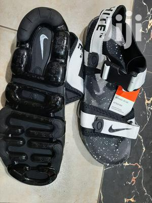 Botánico Prestigio seguridad  Men Casual Nike Off White Open Shoes in Nairobi Central - Shoes, The  Company | Jiji.co.ke