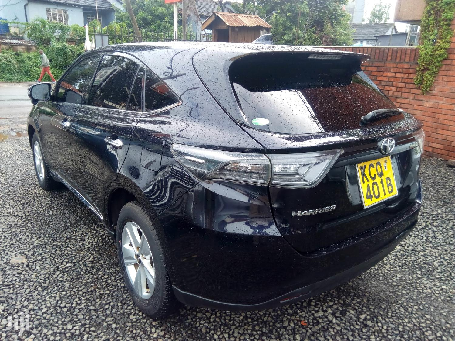 Archive: Toyota Harrier 2014 Blue