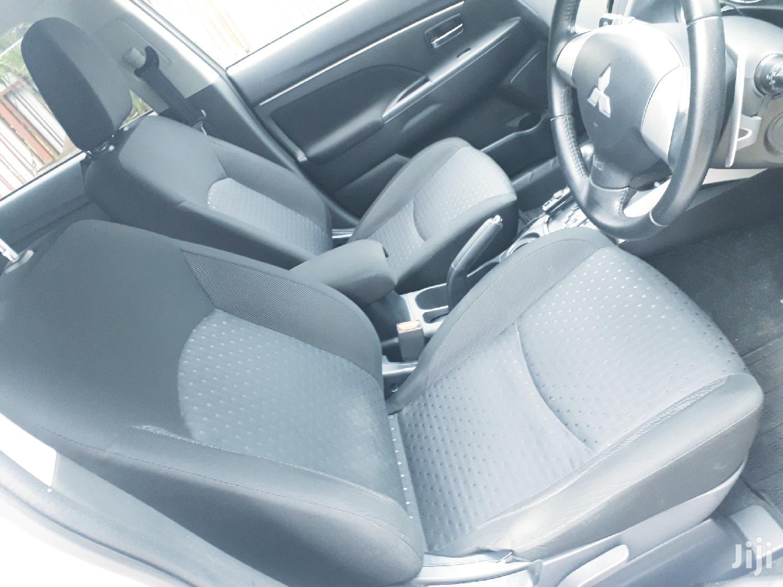 Archive: Mitsubishi RVR 2012 2.0 White