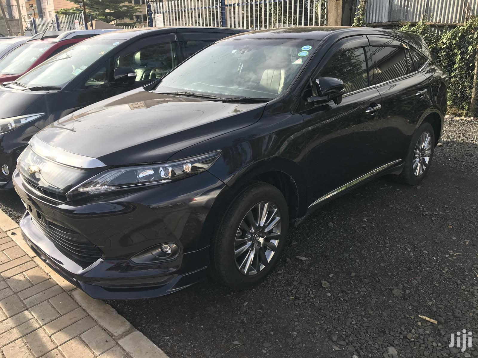 Archive: Toyota Harrier 2015 Black