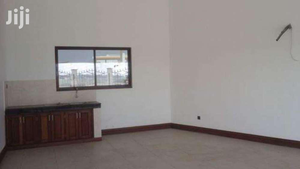 NYALI- 4 BEDROOM HOUSE OWN COMPOUND Near LINKS ROAD
