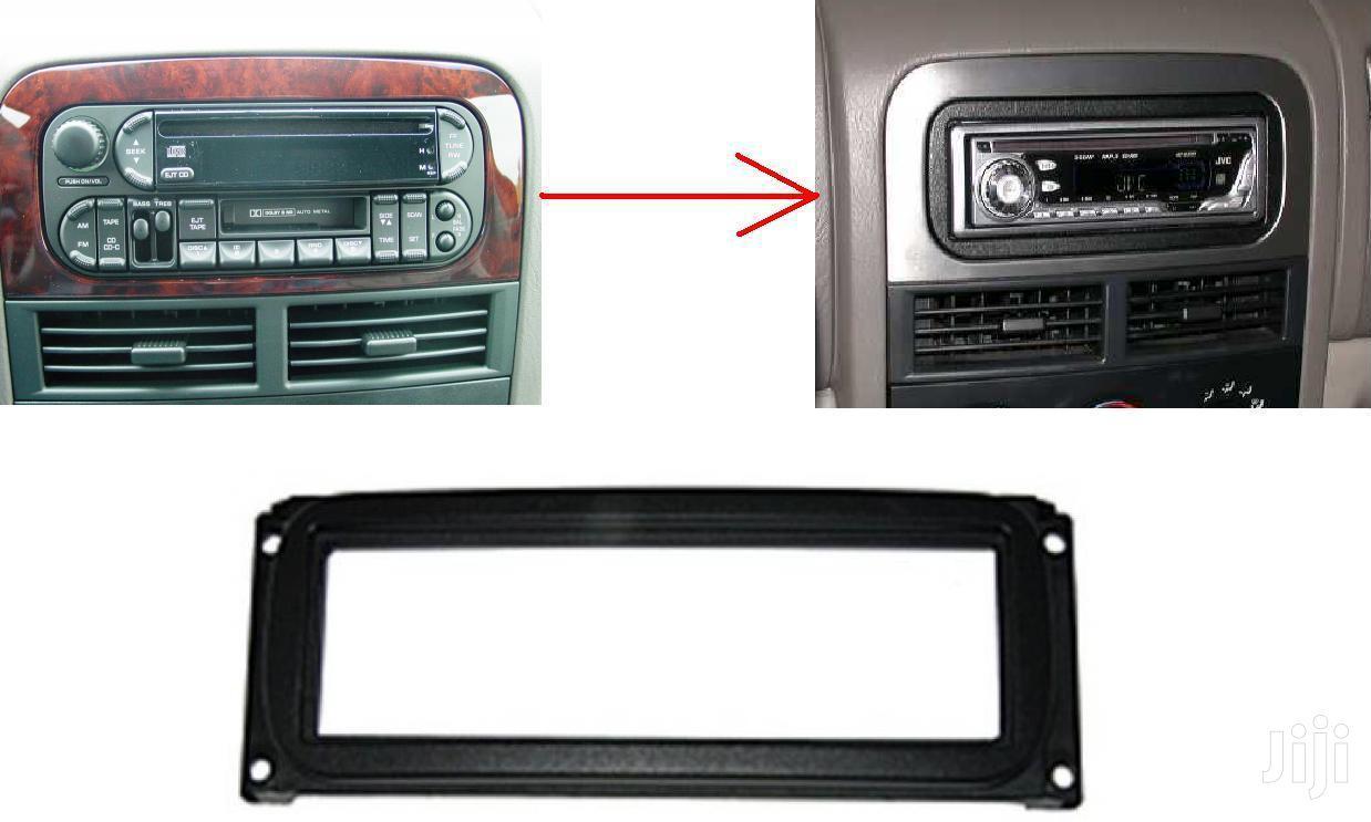 Jeep Cherokee, Grand Cherokee: Radio Installation Fascia Plate