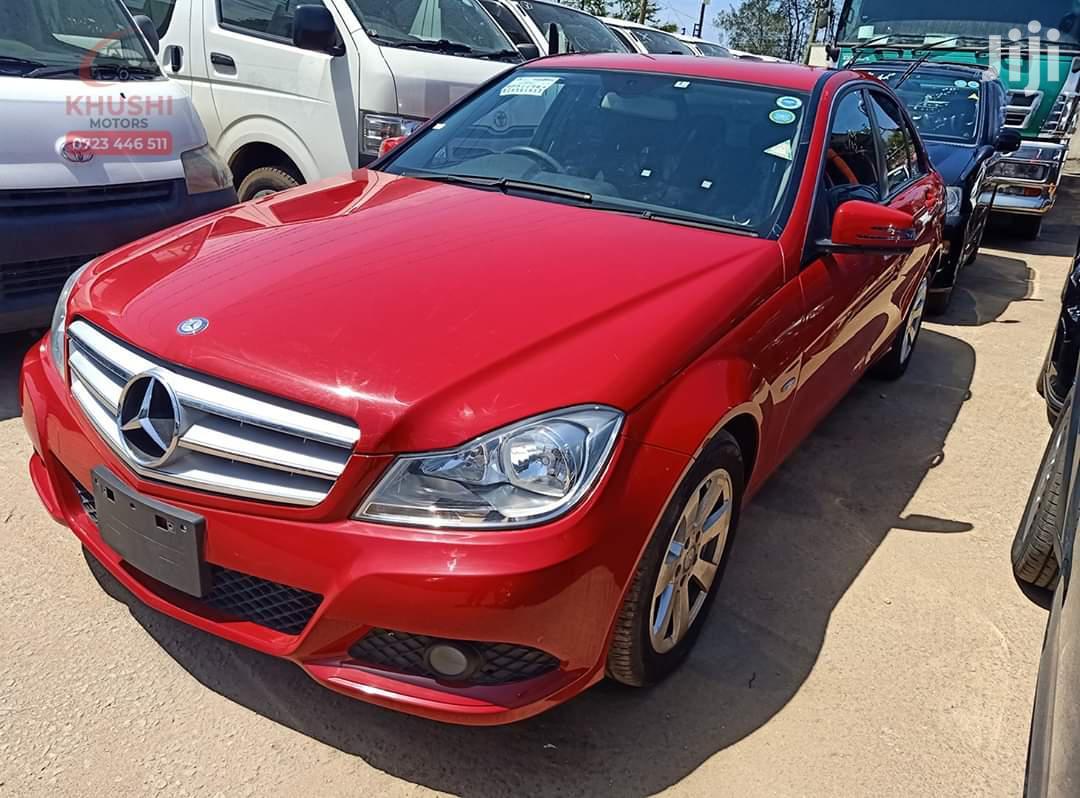 Mercedes-Benz C200 2012 Red