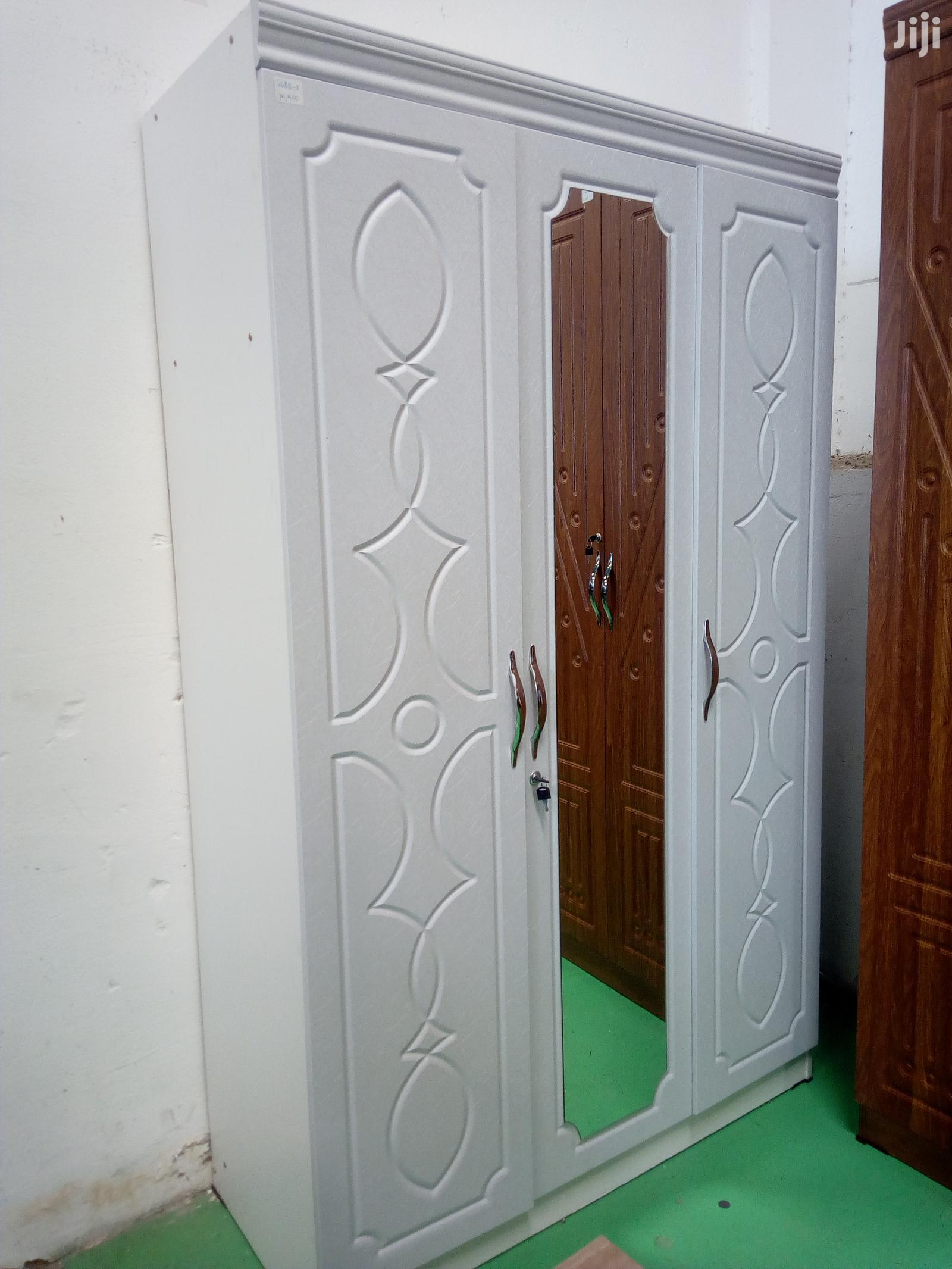 Archive: 3 Door Wardrobe