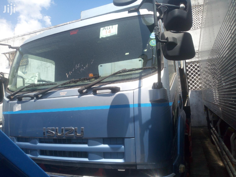 Isuzu Tipper 2012 Blue