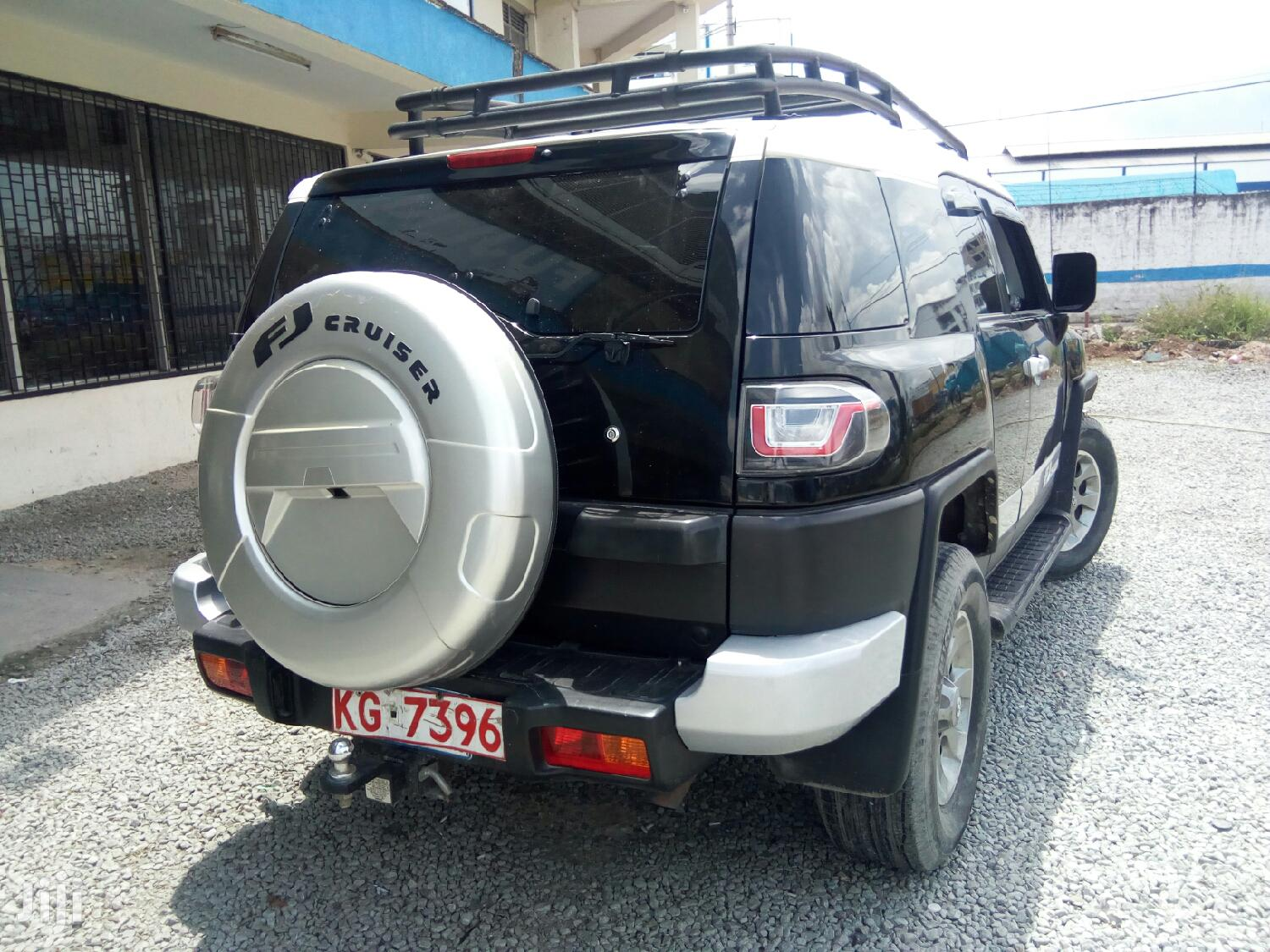 Archive: Toyota FJ Cruiser 2012 Black