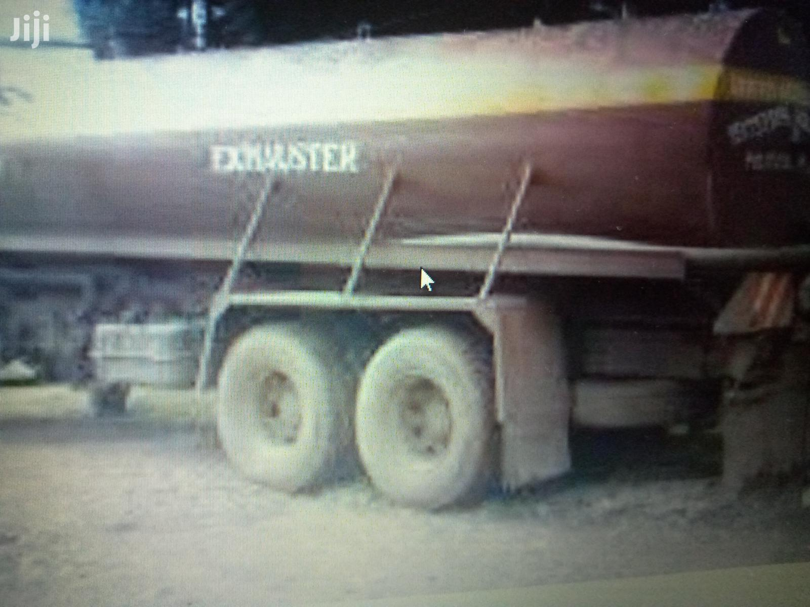 Sewage Exhauster Lorry Truck Services